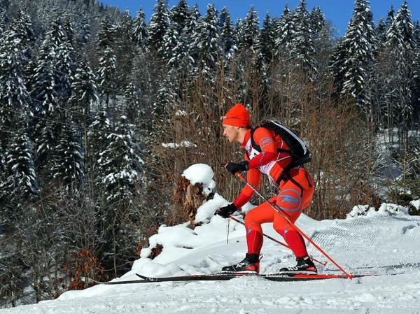 Gut gelaunt: Auf den Skiern von Hinterzarten über den Feldberg bis zum Belchen.