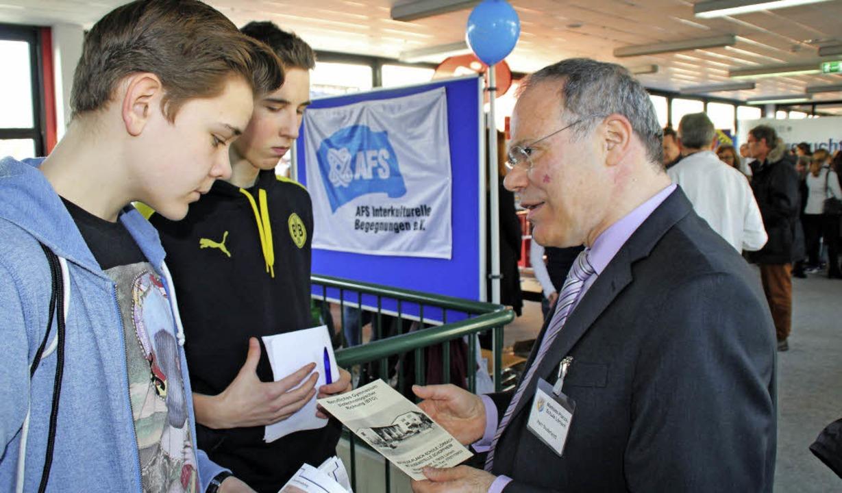 Ben Laleike (links vorn) von der Reals...athilde-Planck-Schule Lörrach erhielt.  | Foto: Rolf Reißmann
