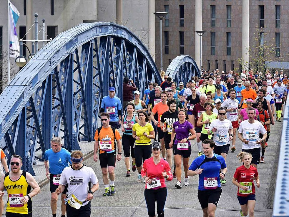Den Freiburg-Marathon soll es auch im ...rdings mit einem anderen Veranstalter.  | Foto: Thomas Kunz