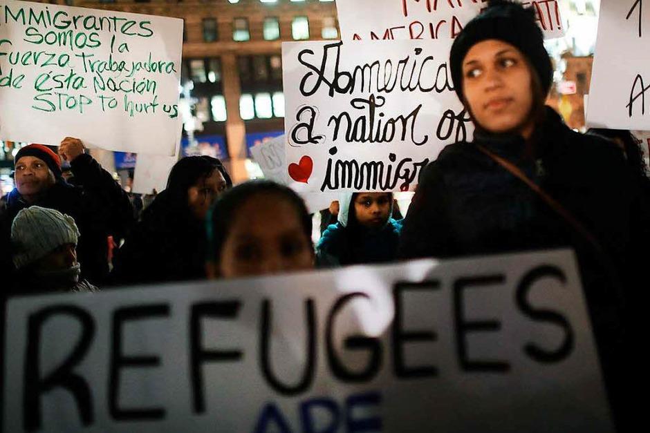 Die Botschaften der Demonstranten sind deutlich. (Foto: AFP)