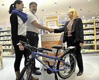 Ein Fahrrad aus 400 Dosen