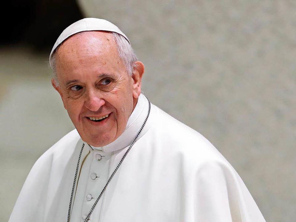 Gegen Papst Franziskus (Foto) regt sic...tand, angeführt von Raymond Leo Burke.    Foto: dpa