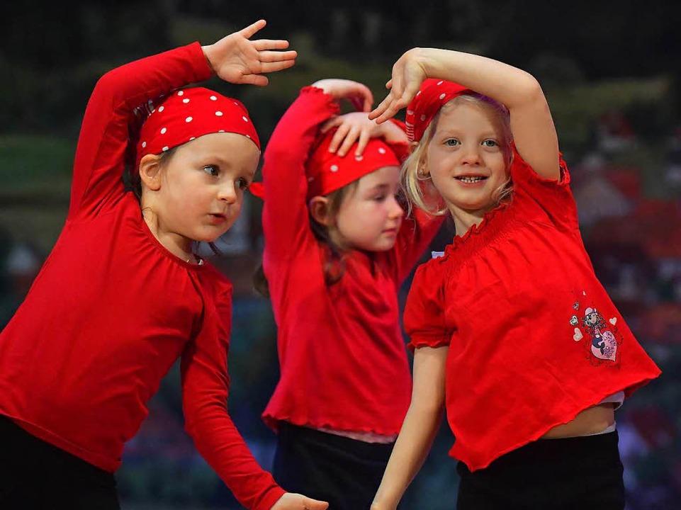 Die Jüngsten im Turnverein traten auch auf.  | Foto: Wolfgang Scheu
