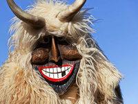 Wölfe im Schafspelz: So feiern die Ungarn die Fasnacht
