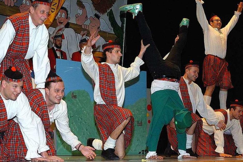 Das Männerballett begeisterte mit seinem Schottentanz. (Foto: Jürgen Schweizer)