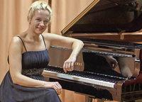 Pianistin Aleksandra Mikulska begeisterte im Sigma-Zentrum
