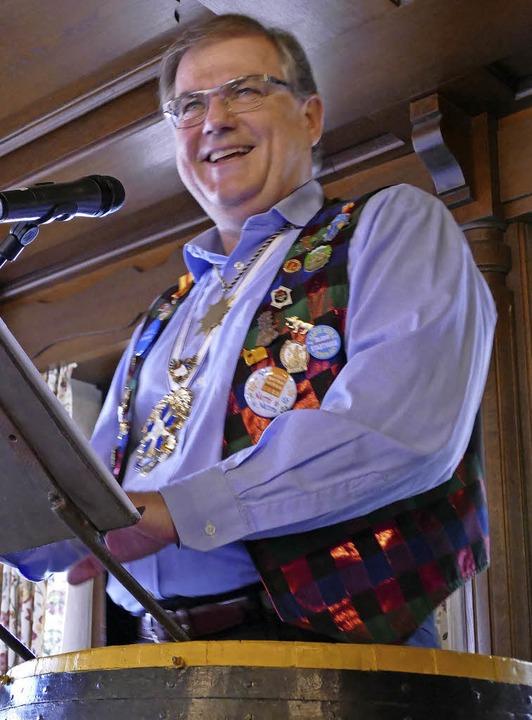 Bürgermeister Joachim Schuster in der Bütt   | Foto: Susanne Ehmann