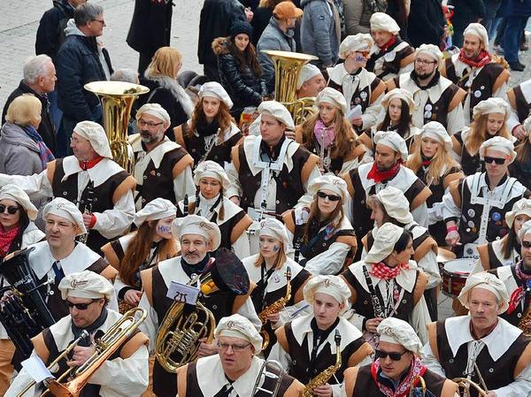 Der Musikverein Degerfelden geht dem Umzug gleich voran
