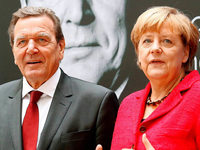 Merkel verteidigt Schröders Agenda 2010