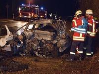 Ein Toter und vier Schwerverletzte nach Unfall