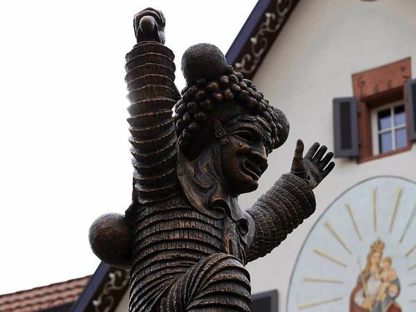 Elzacher Schuttig - mit viel Gebrumm und Trallaho wurde am Sonntag um 12 Uhr in Elzach die Fasnet ausgerufen.