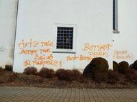 Sprayer schlägt wieder zu und sprüht bösartige Parolen