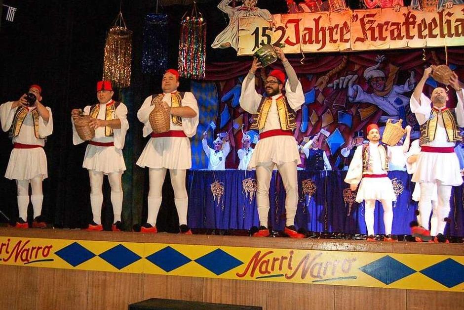 Sirtaki-Ballett der Feuerwehr Waldkirch (Foto: Christian Ringwald)