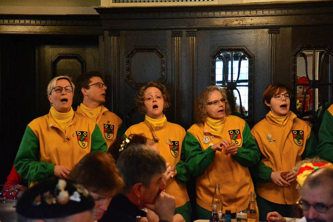 Die Frösche singen nochmals ihre Schnitzelbank.  | Foto: Barbara Ruda