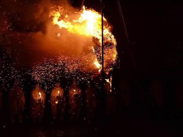 Hüüler-Umzug und Böög-Verbrennung