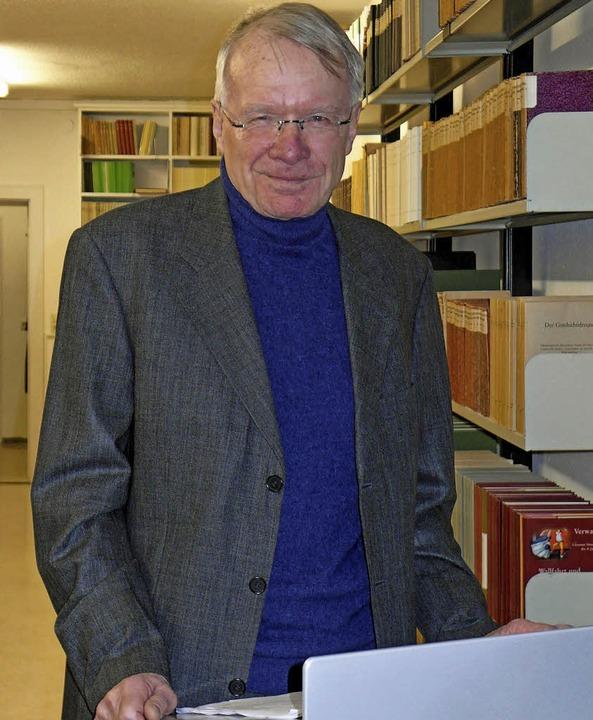 """Historiker  Thomas Steffens bei seinem...g über die """"March-Herren""""     Foto: Helmut Rothermel"""