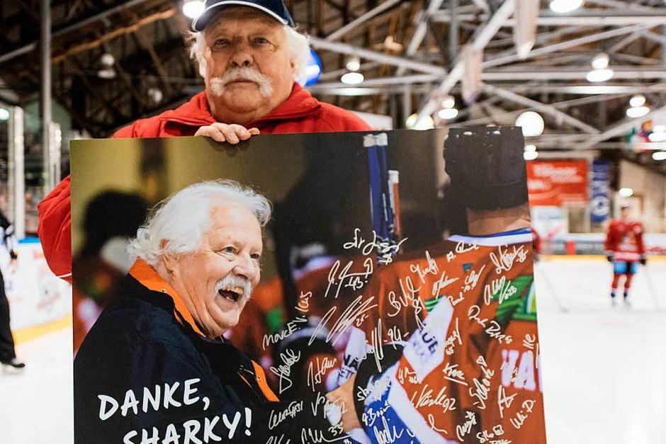 """Der Verein verabschiedet sich nach fast 50 Jahren von """"Sharky"""". (Foto: Patrick Seeger)"""