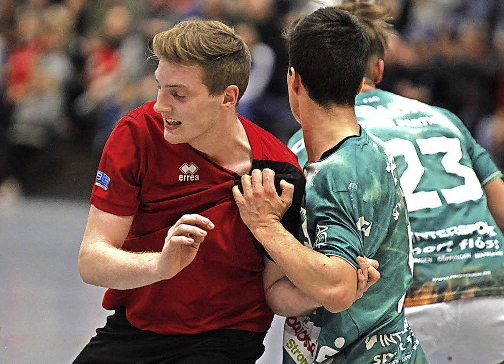 <BZ-FotoAnlauf>SG Meissenheim/Nonnenwe...) schafft Platz für die Teamkollegen.   | Foto:  Lothar Mattes