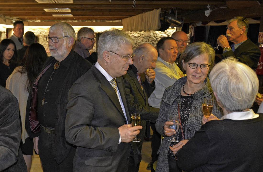 Viele feierten die Tam-Übergabe mit  | Foto: Joachim Pinkawa