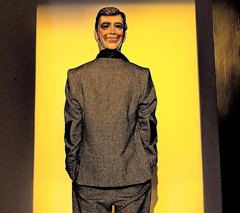 Verkehrte Welt: Szene aus der Freiburger Kafka-Revue  | Foto: Kreitmeier