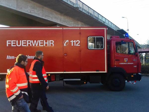 Ein Messtrupp hat die Schadstoffwerte in der Luft ermittelt. Es habe keine erhöhte Belastung gegeben, so die Feuerwehr.
