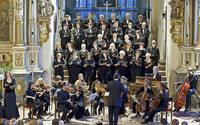 Die katholische Bezirkskantorei Ortenau singt in der Kirche St. Martin