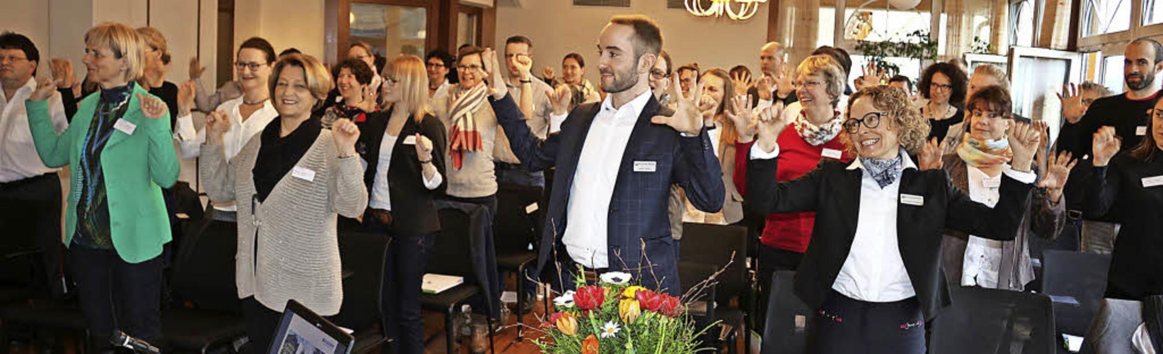 Führungskräfte und  Mitarbeiter, die m...as Themenfeld auch Praxisbezug bekam.   | Foto: Fotos: Karin Heiss
