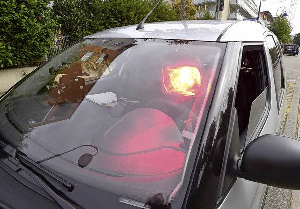 freiburg radarkontrolle mobile blitzer erwischten 2016 rund zu schnelle autofahrer in. Black Bedroom Furniture Sets. Home Design Ideas