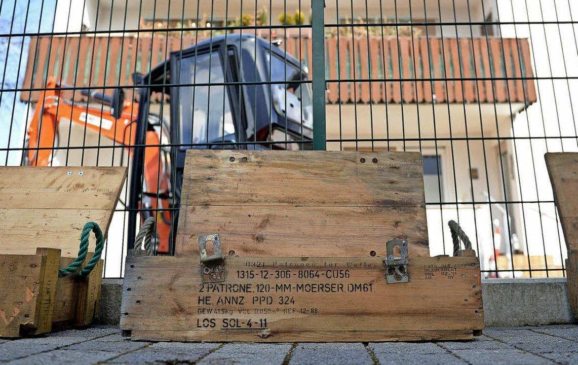 Ausgegraben: eine Munitionskiste mit Mörserpatronen    Foto: dpa