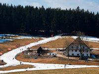 Wenig Schnee beim Weltcup-Finale der Kombinierer