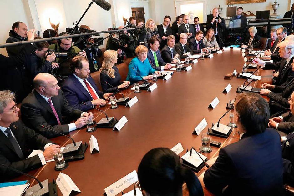 Merkel und Trump treffen sich mit ihren Delegationen im Weißen Haus. (Foto: dpa)