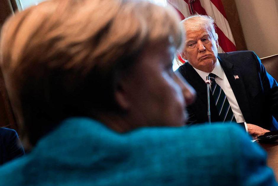 Merkel und Trump treffen sich mit ihren Delegationen im Weißen Haus. (Foto: AFP)