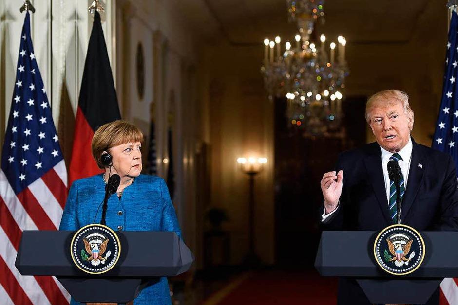 Die erste gemeinsame Pressekonferenz: Angela Merkel und Donald Trump im Weißen Haus. (Foto: AFP)