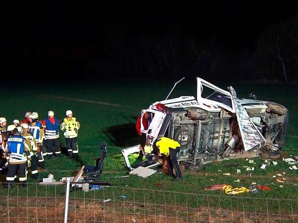 Bei einem Unfall auf der A5 starb am S...wurde weit aus dem Wagen geschleudert.    Foto: Kamera 24