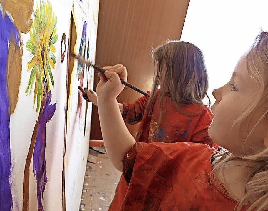 Kinder präsentieren Anfang April unterschiedlichste Kunstwerke.     Foto: pr