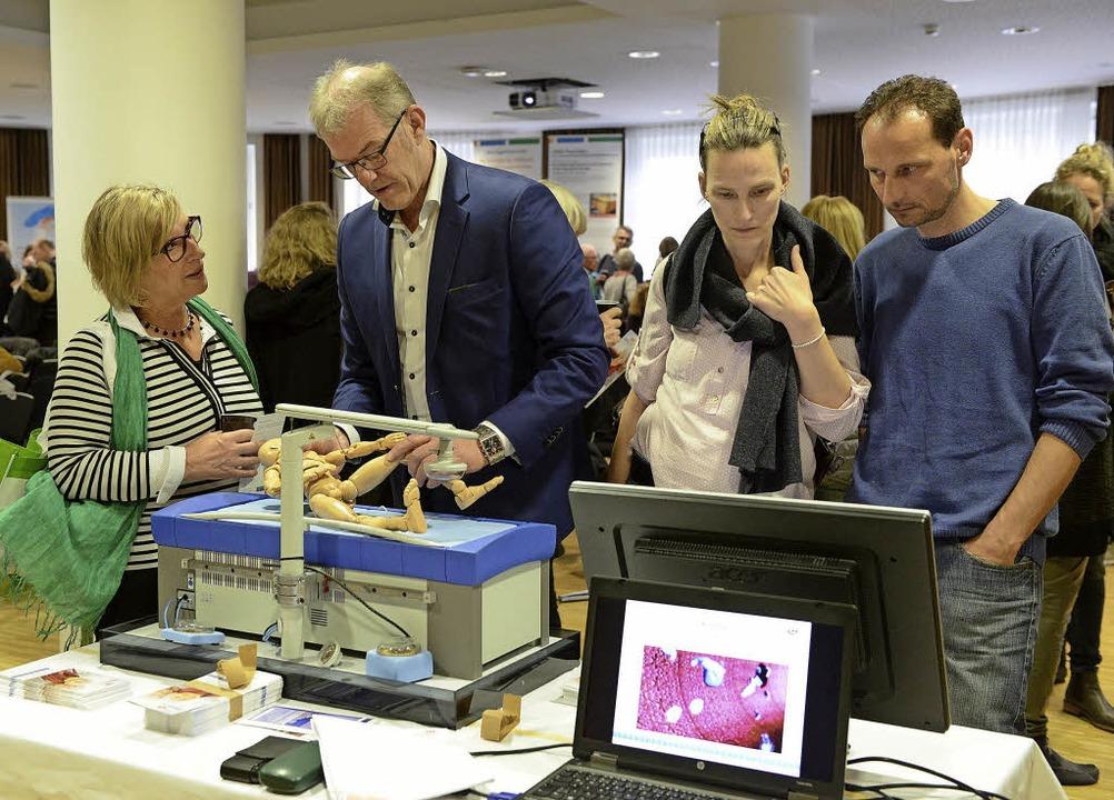 Riesiges Interesse am Patiententag: Ex...gänzende Methoden zur Krebsbehandlung.  | Foto: Rita Eggstein