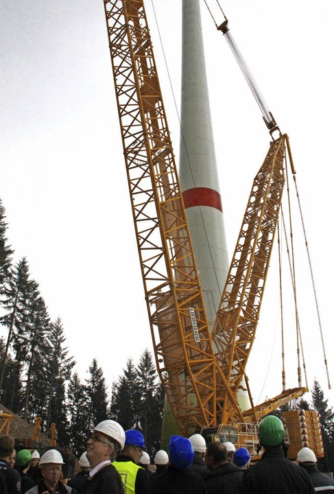 Kommunalpolitiker und Bürger  besichtigten die Baustelle.   | Foto: sieberts