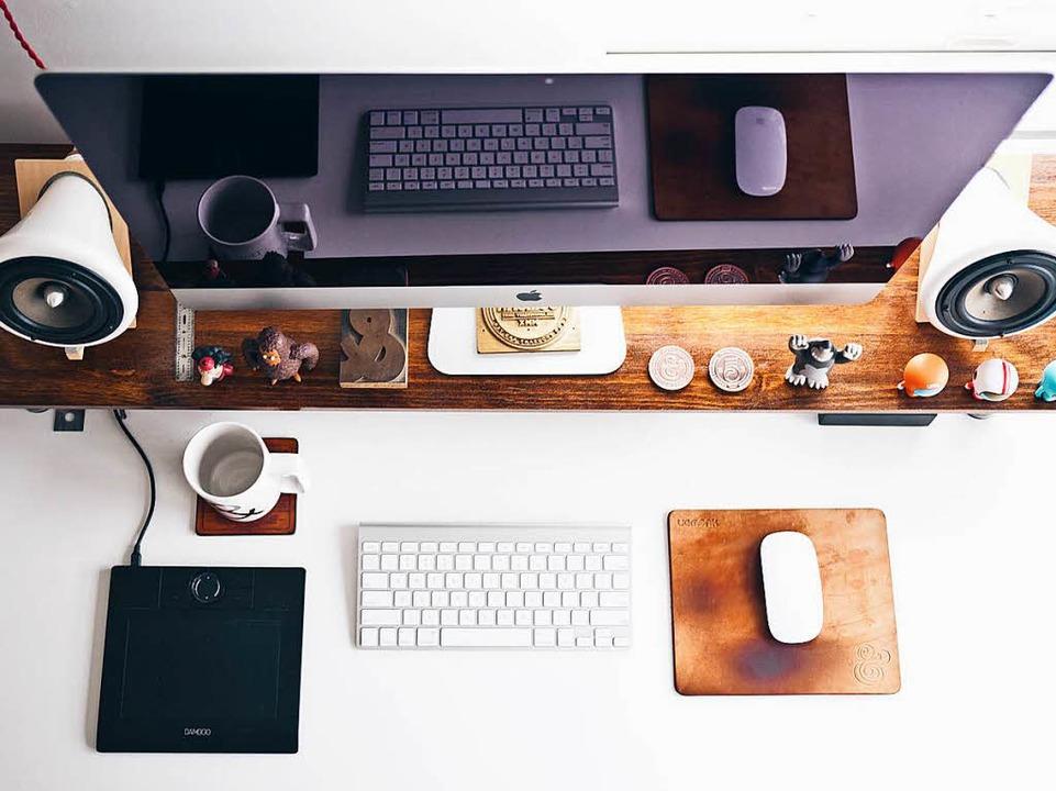 Ist der Schreibtisch aufgeräumt, ist mehr Platz für gute Gedanken.  | Foto: Jeff Sheldon (Unsplash.com)