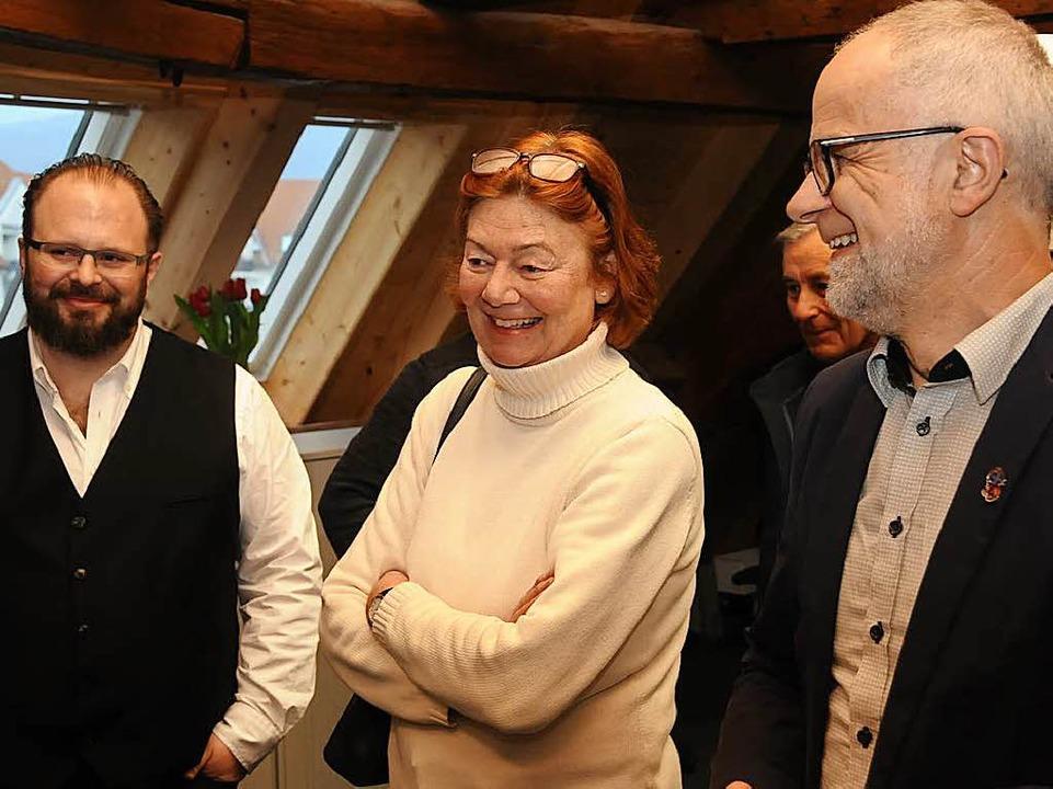 BZ-Redaktionsleiter André Hönig (links...nd Zells Bürgermeister Rudolf Rümmele.  | Foto: Robert Bergmann