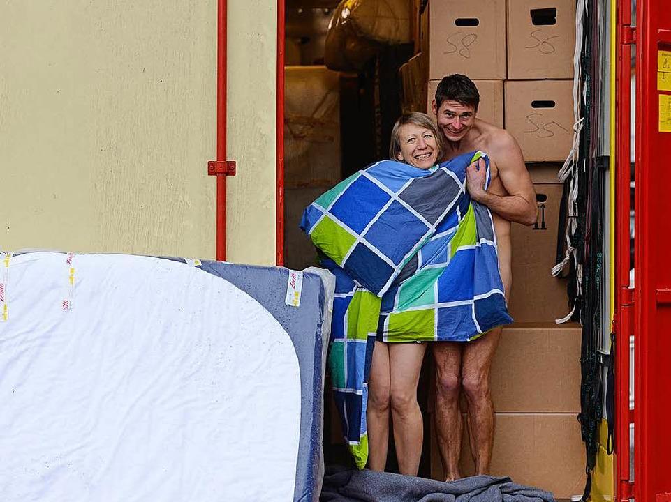 Das Hab und Gut des Ehepaars lagerte i...dert Meter von ihrer Wohnung entfernt.    Foto: SAT.1/Ben Pakalski