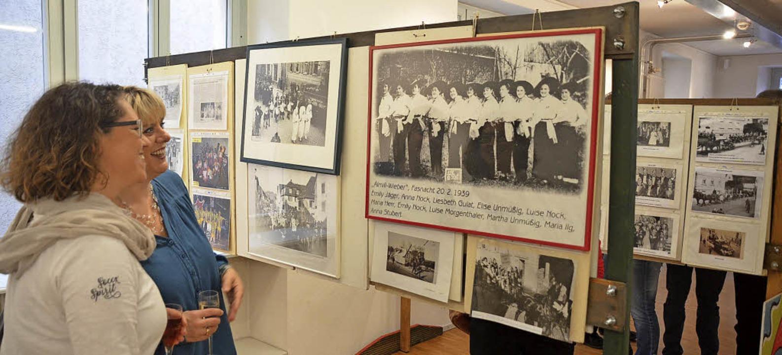 """Alte Zeiten: Die Ausstellung """"80... noch diese Woche im Torhaus zu sehen.    Foto: Jörg Schimanski"""