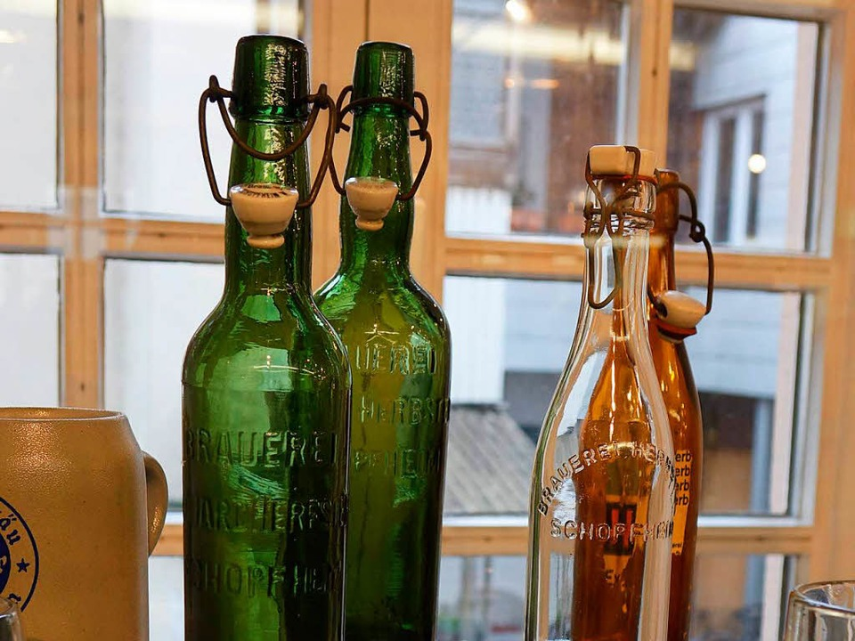 <ppp> Flaschen aus der früheren Brauerei Herbster <ppp></ppp></ppp>  | Foto: Roswitha Frey