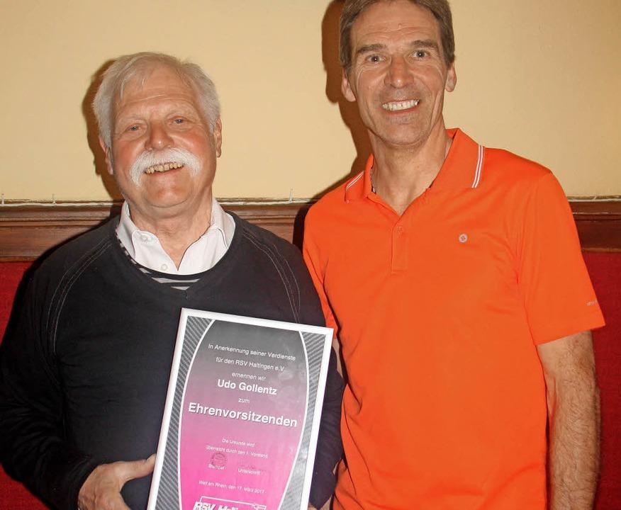 Frank Herrmann ernannte seinen Vorgäng...(links) zum Ehrenvorsitzendes des RSV.  | Foto: SIEMANN