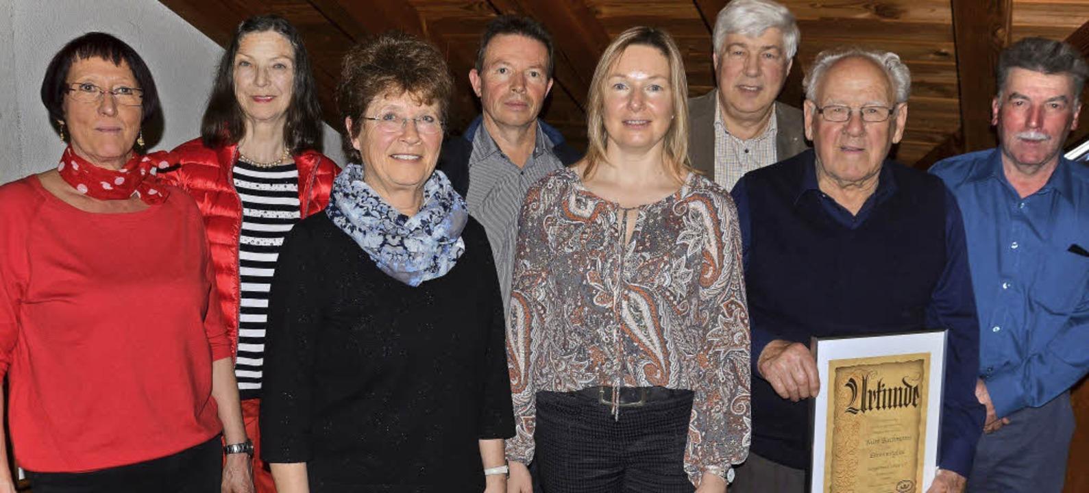 Kurt Bachmann (zweiter von rechts) ist...iß,  Reinhard Knorr und Heinz Welker    | Foto: Schopferer