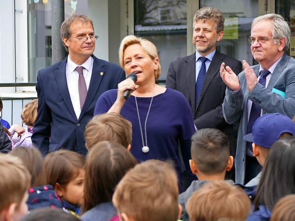 Begeistert über den Schulgesang: Kultusministerin Susanne Eisenmann