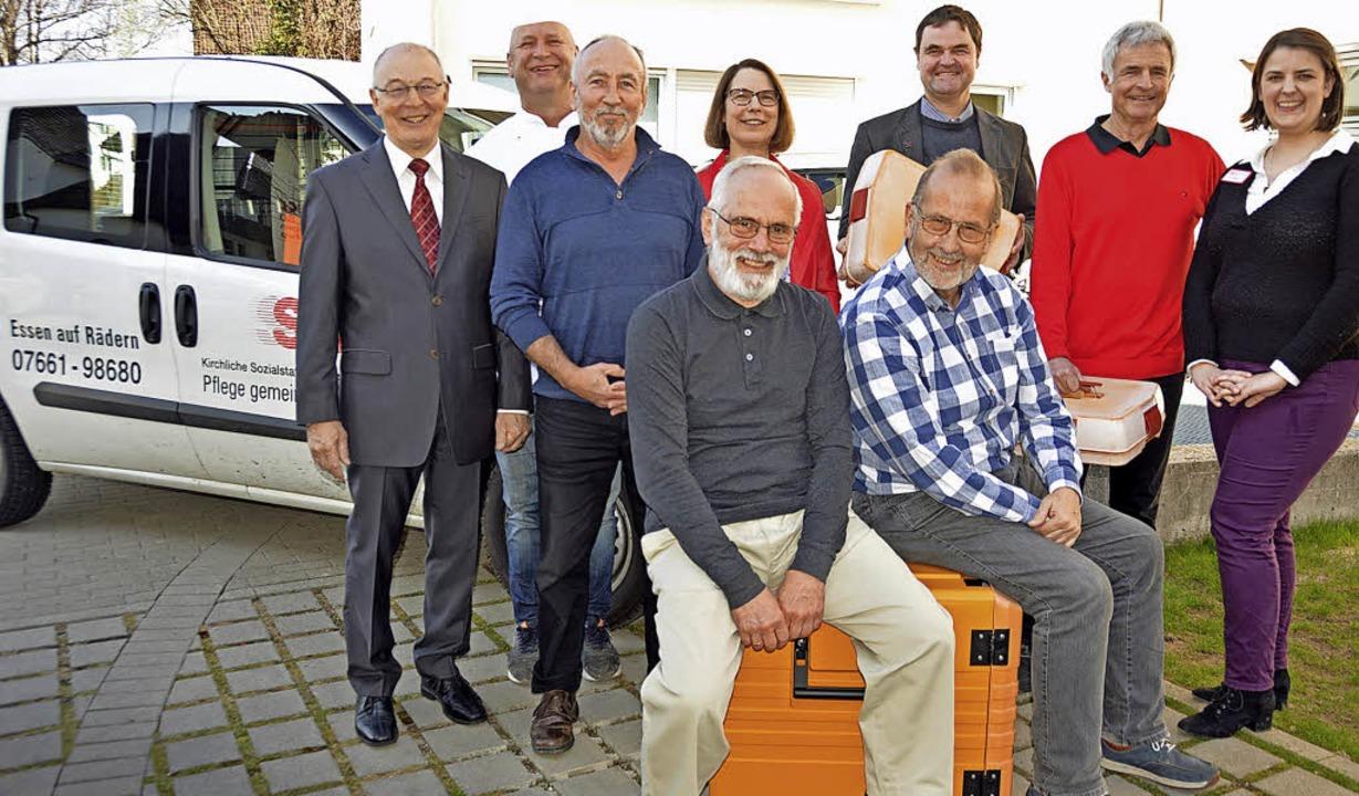 Sie freuen sich über zehn erfolgreiche...und Lothar Assmann (vorne von links).   | Foto: Gerhard Lück
