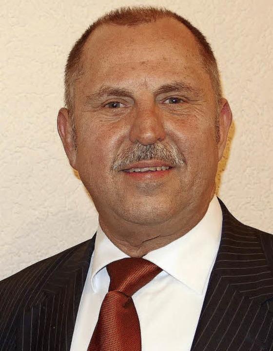 Der langjährige Vorsitzende Herbert Bucher wurde zum Ehrenvorsitzenden ernannt.   | Foto: Andrea Engler