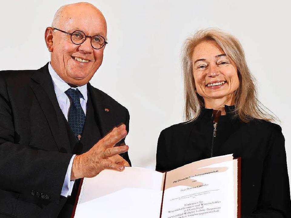 Peter Strohschneider, Präsident der De...tige Offenburgerin  Beatrice Gründler.  | Foto: DFG/David Außerhofer