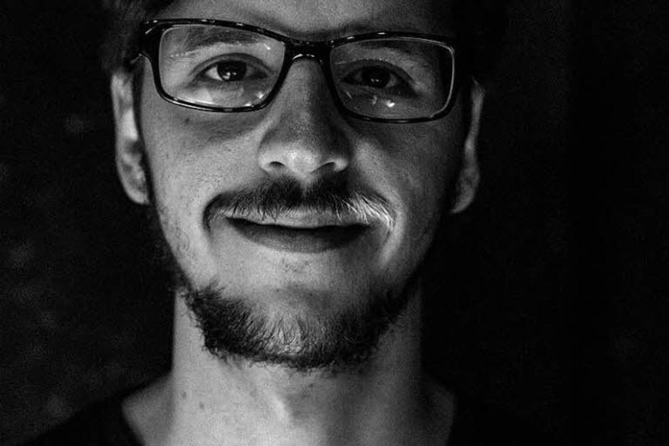 Lukas Diestel (27) schreibt Kurzprosa und arbeitet zur Zeit an seinem ersten Buch. (Foto: Marius Green)