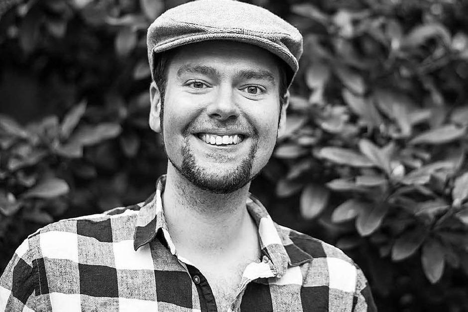 """Philipp Multhaupt (27) ist Slam-Poet und Autor (""""Herrn Murmelsams Fieberträume"""" und """"Über die Erhabenheit toter Katzen und das Umwerben trauriger Mädchen"""", erschienen bei Periplaneta). (Foto: Anna Preibisch)"""